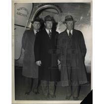 1937 Press Photo Joe Johnson, Croil Hunter of Northwestern Airways, R.C. Lilly
