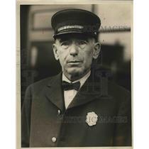 1929 Press Photo Fireman James Angel Burned Severely During Fire - nea69327
