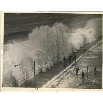 1924 Press Photo Winthrop Massachusetts Boardwalk Surf Waves