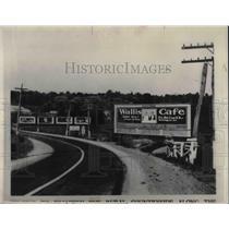 1931 Press Photo Billboard for Wallis Cafe Roadside