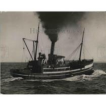 1923 Press Photo A Typical Halibut Fishing Craft On Water