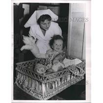 1956 Press Photo Michael Bardy Nurse After plane trip from Egypt