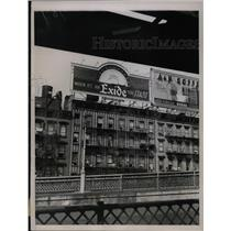 1936 Press Photo Billboards in NY City with thermometer
