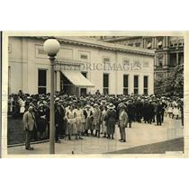 1922 Press Photo Visitors arriving at the White House