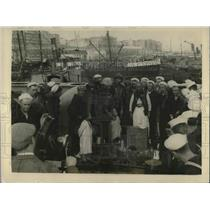 1924 Press Photo Algiers, Algeria, sailors from USS Concord visit natives