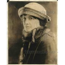 1923 Press PhotoMrs  Matthew Woll, wife of VP of American Federation of Labor