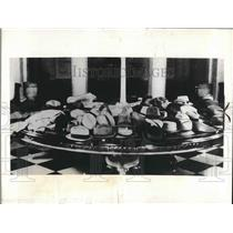 1936 Press Photo press members' hats in White House lobby before pres. speaks