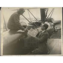 1923 Press Photo A.C. Heinman & pilot W.L. Smith at Curtis Field,NY