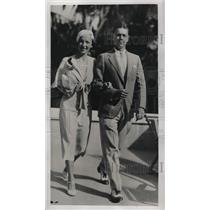 1933 Press Photo Mr. & Mrs. George Goetz Jr. At Flamingo Hotel In Miami Florida
