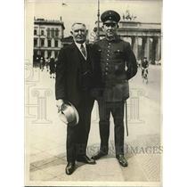 1928 Press Photo N.Y fire Chief John Kenlon in Berlin to study European Methods