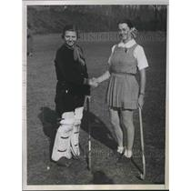 1934 Press Photo Emva Michael and Elizabeth Kent of the Bryn Mawr Girls Hockey.