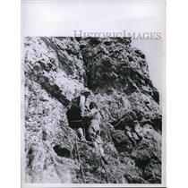 1961 Press Photo Tami Keitlen, bling girl mountaing climbing