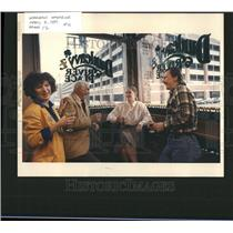 1989 Press Photo Dunleavys River Place Restaurant Drink - RRT14041