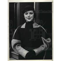 1933 Press Photo Margaret McConnell Stars In Cigarette Magazine Ads