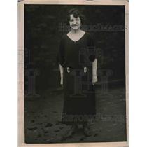 1922 Press Photo Deep Sea Diver Margaret Campbell Goodman Planning Treasure Dive
