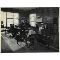 1937 Press Photo Ralph Heins (lt) at his office desk