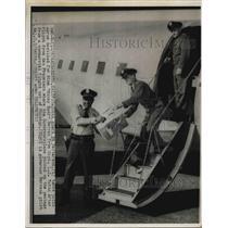 1950 Press Photo Capital Guard Ed Patterson Capt. L.J. Tobin