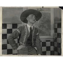 1925 Press Photo Actor J. Moe In New College Show In Philadelphia