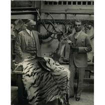 1925 Press Photo Gen.William Mitchell & Colonel JE Fechet w/ Big Game Trophies