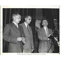 1938 Press Photo pilot Doug 'Wrong Way' Corrigan at national Press Club