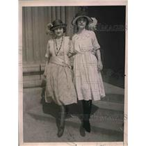 1921 Press Photo Altah Lemke & Florence Dill Hat Models - nex04819