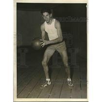 1930 Press Photo Leonard Hartman Center Forward for Columbia University B-Ball