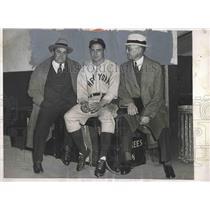 1933 Press Photo William Harridge Best Chapman New York Yankees Joe McCarthy