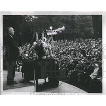 1937 Press Photo Detroit Editor Gilmore Sunrise Service - RRS99427