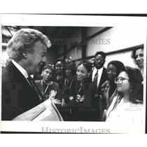 1993 Press Photo Bill Bonds Clinton Presidnet Michigan - RRS08053