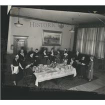 1935 Press Photo Detroit News Conf Room Club Women - RRS99647