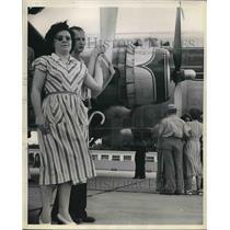 1949 Press Photo Teresa Knight Jack Wilson DC-4 Plane Pilot - nea80386