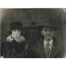 1920 Press Photo Mr & Mrs William B. Hoffman of Cantor, Ohio - nea95387