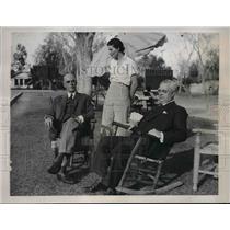 1934 Press Photo AC Gustin Mrs Jack Conway & George Cook Talk At Desert Inn