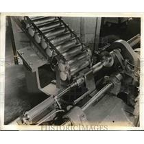 Press Photo Automatic Machinery for Trimming at Chrysler Plant
