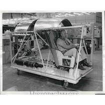 1959 Press Photo Test Pilot Sits In Mobile Training Ejection Simulator