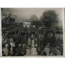 1932 Press Photo Armed Police Guard Capitol Building From Hunger Marchers