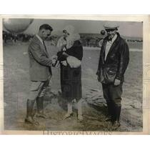 1928 Press Photo Mrs. R. Robinette with C.K. Woolian and F. Cooper