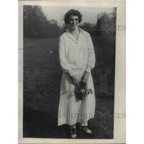 """1923 Press Photo Miss Katherine Strauss crowned """"May Queen"""", May Day"""