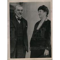 1923 Press Photo Mr. Robert De Forrest museum President and Mrs De Forrest