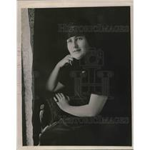 1919 Press Photo Debutant Peggy Martin will be presented to society at the