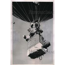 1950 Press Photo Charles Dollfuss, French Balloonist, Hans Malmberg Photographer