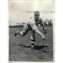 "1936 Press Photo Dodger pitcher Emil ""Dutch"" Leonard at spring trainimng"