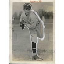 1932 Press Photo Lynn Griffith, Pitcher For Washington Senators - nes01339