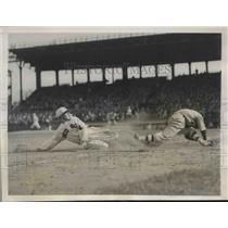 1931 Press Photo Red Sox Wastler safe at 3rd vs Braves in exhibition game