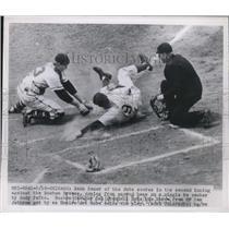 1950 Press Photo Cubs Hank Sauer Safe At 2nd Past Braves Del Grandall