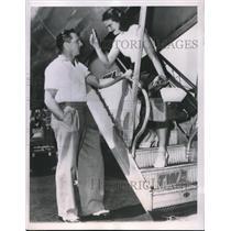 1951 Press Photo Pittsburgh Ralph Kiner & Bride Nancy Chaffee - nes00277