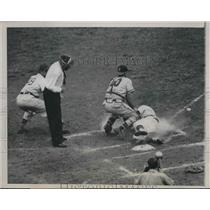 1948 Press Photo Phil Cavarretta Cubs Scores Run Phil Masi Red Sox Catcher MLB