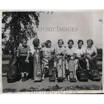 1935 Press Photo Women Caddies of The Royal Montreal Golf Club in Quebec