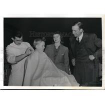 1941 Press Photo Brooklyn Dodgers Dixie Walker's Son Freddie Getting Haircut