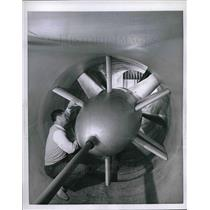 1955 Press Photo Lockheed Aircrafts new wind tunnel & Charles Fish in Calif.